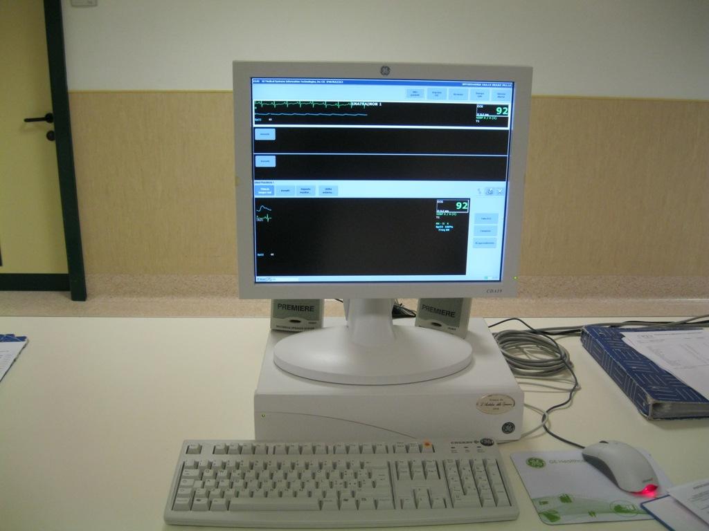 Monitor (12)