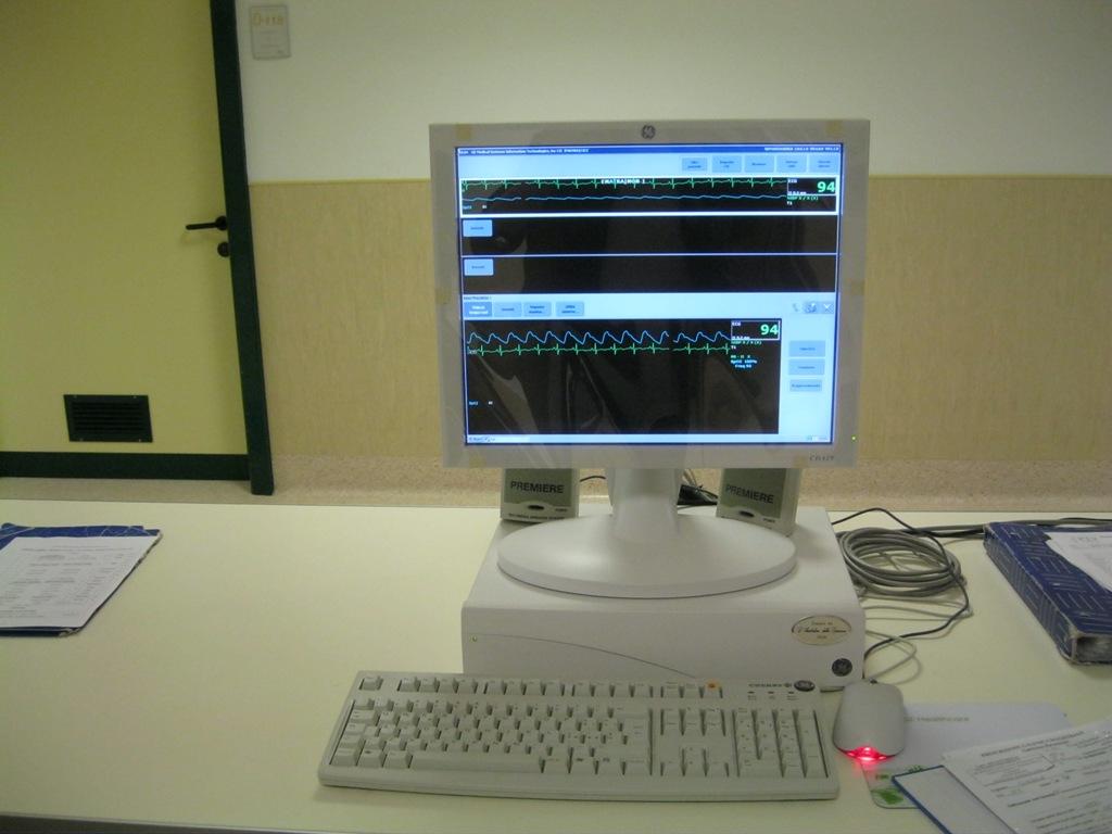 Monitor (9)