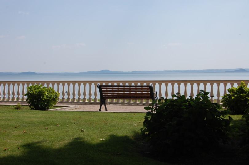 CherubinoMagliacca_ Serenità in riva al lago